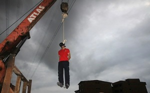 meet-the-unluckiest-crane-maker-in-the-world-article-body-image-1394751418